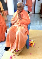 Rev. Ajayaprana Mataji after initiating spiritual seekers